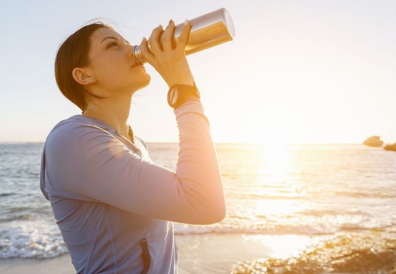 Treating and Preventing Dehydration During Summer Heat