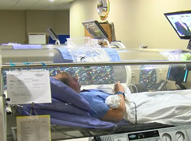 Specialized Oxygen Treatment Helps Donald Riddling Heal